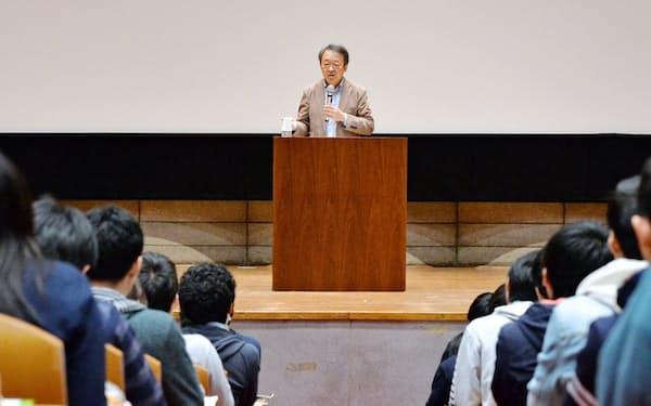 池上さんが「良き問いを立てるために」と呼びかけた新入生は大学生活4年目を迎えた