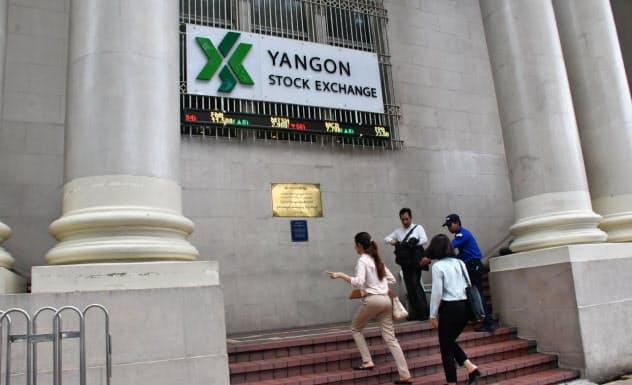 ヤンゴン証券取引所は外国人投資家の取引解禁で、市場活性化を狙う