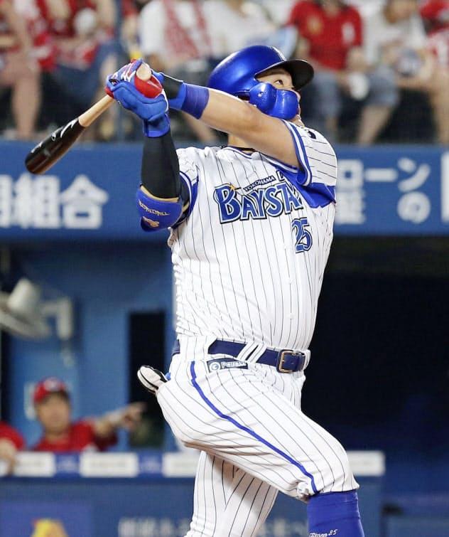 二回、筒香が右中間に通算200本塁打となる2ランを放つ