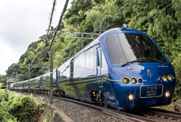 東急電鉄が運行するザ・ロイヤルエクスプレス