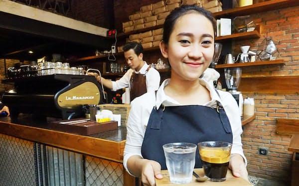 こだわりのコーヒーを出すカフェが増えている(15日、ジャカルタ南部)