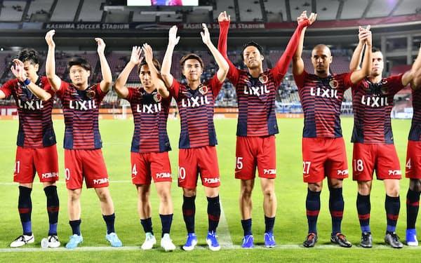 鹿島は7月6日にJ1初の通算500勝に到達。小泉社長は「これまでの伝統とスピリットを継承してほしい」と話す