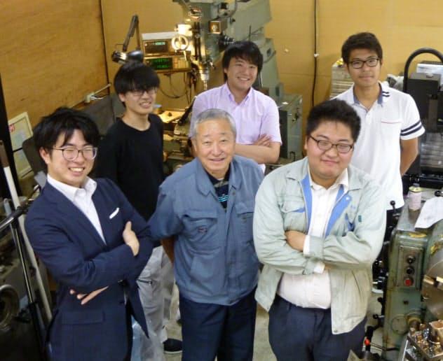 「オープン町工場」では学生らも設備を利用できる