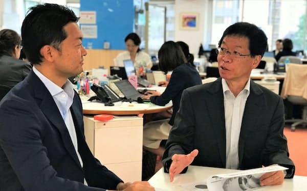 森田さん(右)は来年入社の「エルダーシャイン」の職場開拓に奔走する