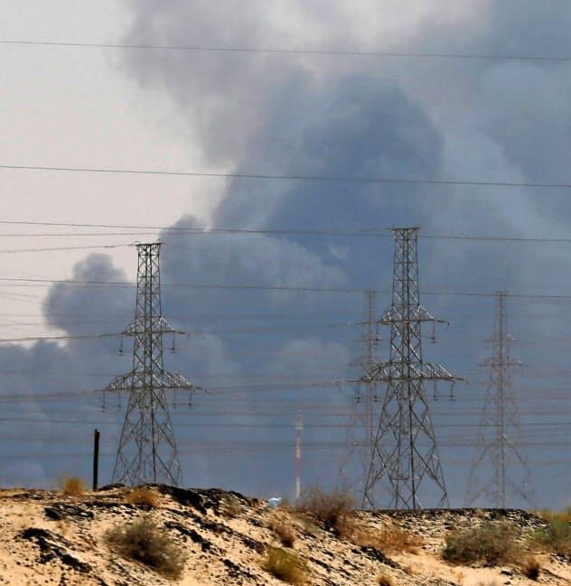 原油供給リスク広がる サウジ「生産半減」