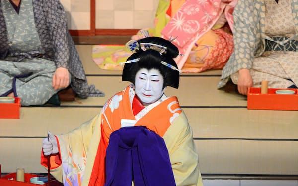坂田藤十郎は2015年に「曽根崎心中」のお初を演じて1400回を達成した(14年、歌舞伎座)(C)松竹