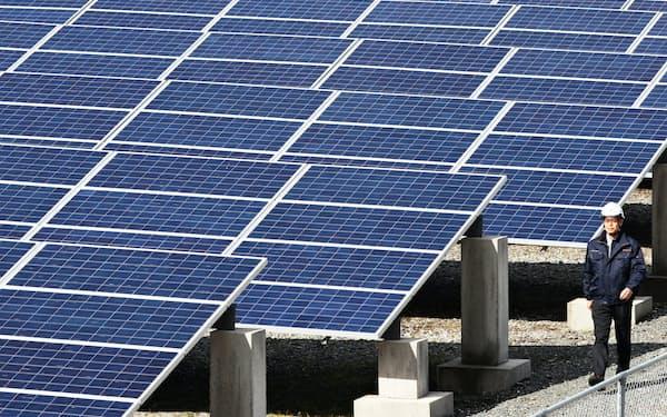 日射に恵まれた九州は太陽光発電が盛んだ(福岡県みやま市の太陽光発電所)