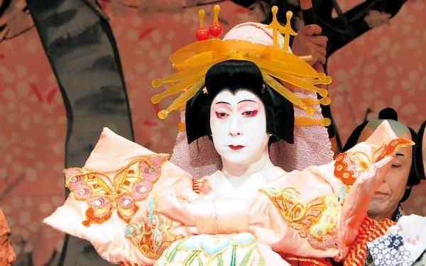 哀しき散り際が印象的な傾城八ツ橋を演じる中村福助(2011年、新橋演舞場)(C)松竹