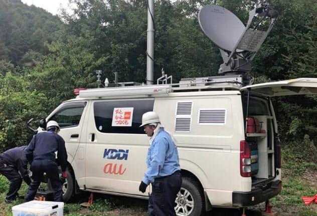通信大手は移動基地局車などを被災地に派遣している