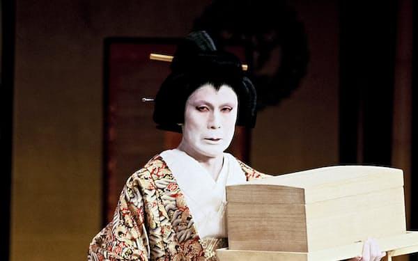 松本幸四郎(現白鸚)が演じた八汐は舞台に濃い彩りを与える(1998年、国立劇場大劇場)(C)松竹