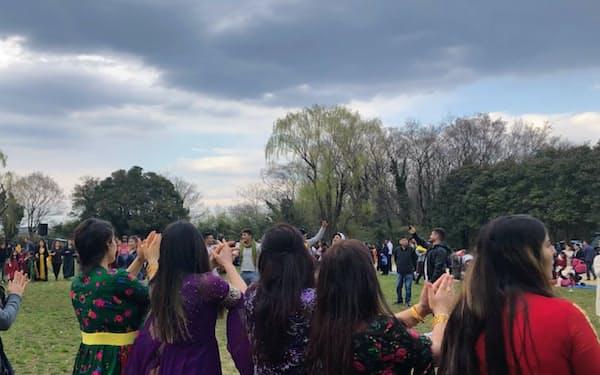 毎年3月に埼玉県の公園で行われるクルド人の春のお祭り(ネブロス)には数百人が集まる