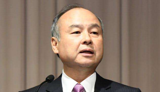 決算発表するソフトバンクグループの孫会長兼社長(6日、東京都中央区)
