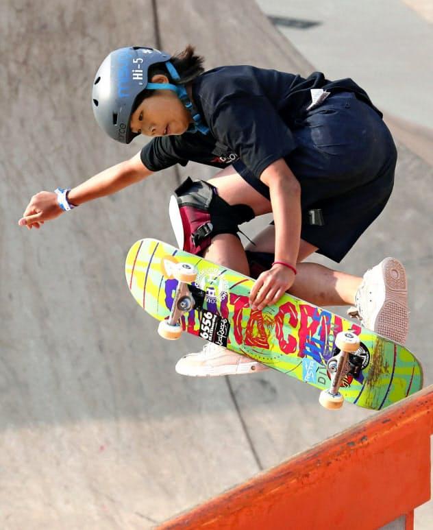 スケートボード・女子パーク世界女王の岡本は本番でも金メダルの有力候補だ(写真は9月のサンパウロでの世界選手権=共同)