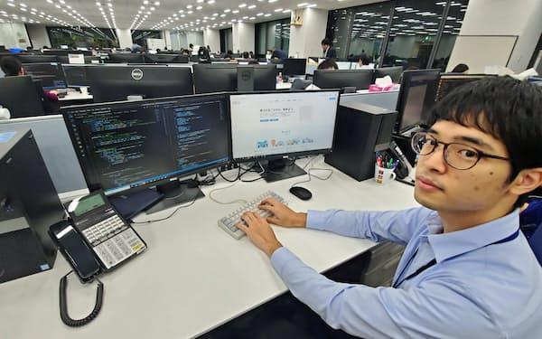 「成長が実感できるスタートアップへの就職が最大の自己投資」と話す東川さん(東京都新宿区)