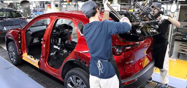 マツダは8日から期間従業員の募集を停止した(広島市の本社工場)