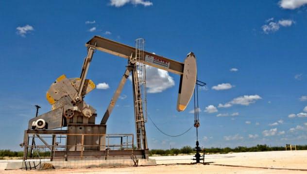 石油採掘関連企業の減損が相次いだ(米テキサス州のパーミアン鉱区)=ロイター