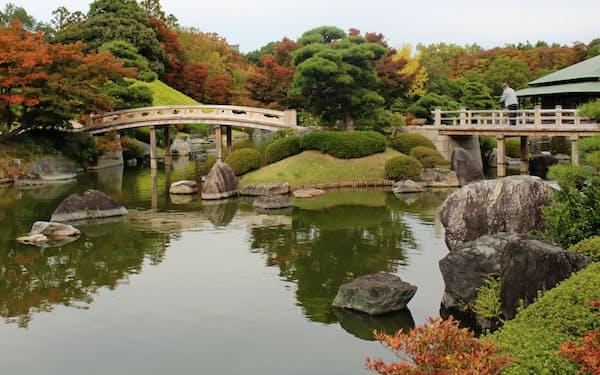 日本庭園では四季折々の植物を楽しめる