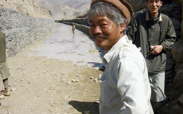 アフガニスタンで人道支援に取り組んだペシャワール会の中村医師(同国東部)=ペシャワール会提供