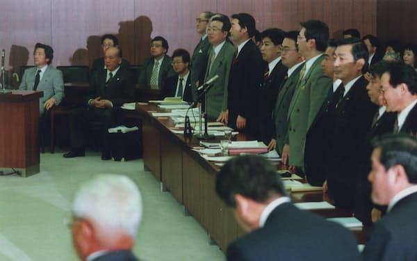 介護保険法案を可決した97年12月5日の衆院厚生委員会