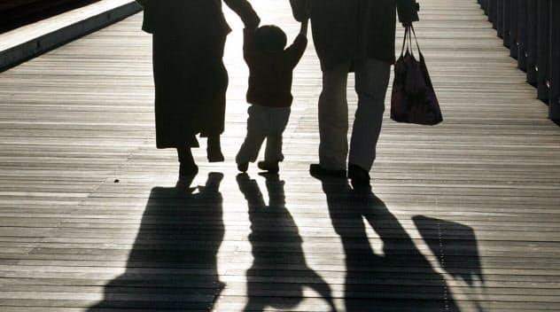 離婚後に母親が親権を持つ事例は85%に上る