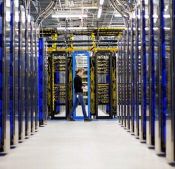 データセンター由来の排出量が多いマイクロソフトはCO2純減に乗り出す=日本マイクロソフト提供