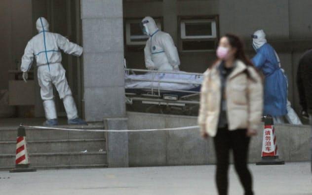 新型肺炎「人から人に感染」
