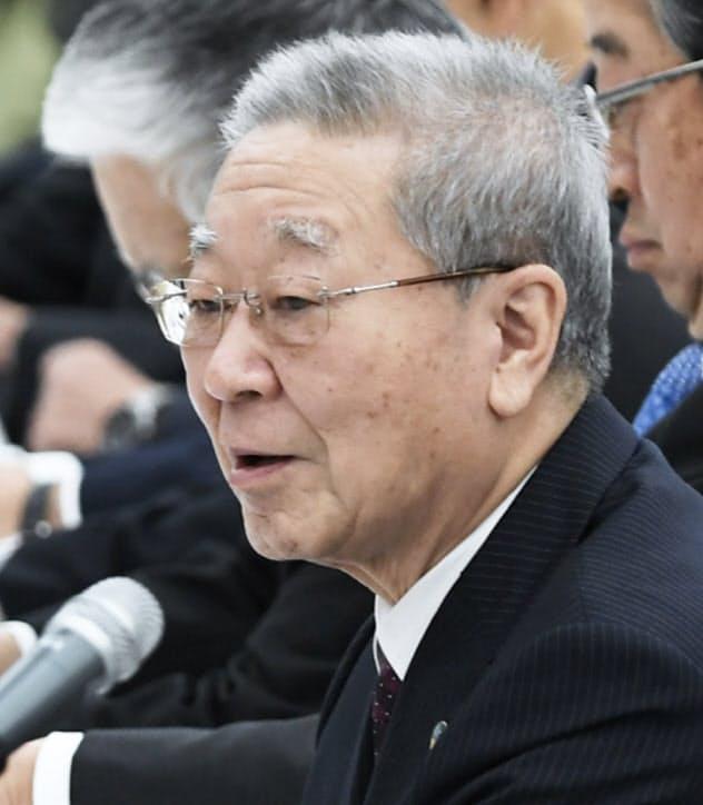 会談であいさつする経団連の中西会長(28日午前、東京・大手町)