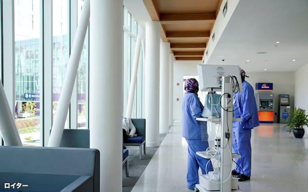 医療費高騰で支払いシステム効率化が求められている米国の医療施設=ロイター