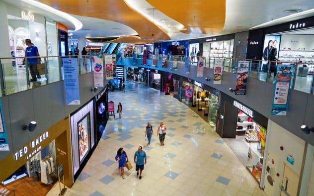 国内感染の拡大後、シンガポールのショッピングセンターは客数の減少が目立つ=小高顕撮影