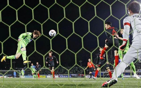 ヘディングはサッカーで最も心躍るシーンの一つ