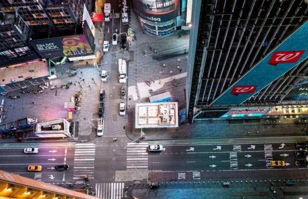 ニューヨークのタイムズスクエアは閑散=ロイター