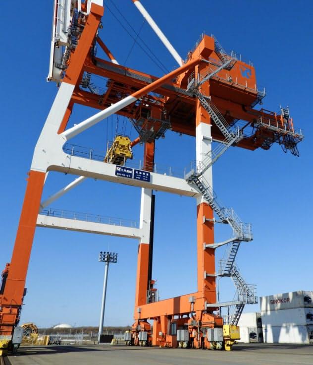 太陽光発電から港湾設備に電気を供給する(3月、石狩市)