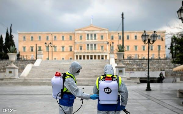 The Economistの調べではギリシャがロックダウンによる影響を最も受けやすいとされる=ロイター