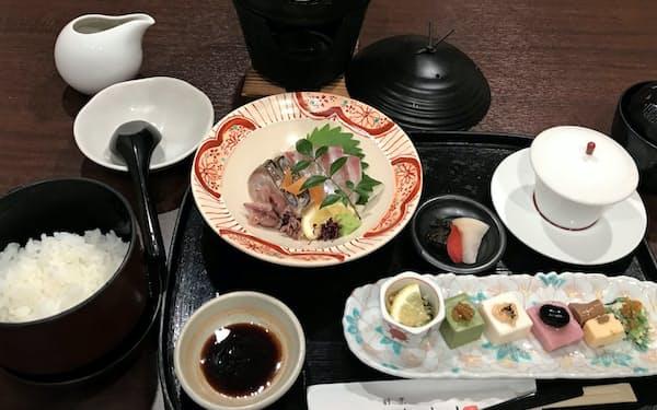「割烹しんすけ」では前日までに予約すれば、「美酒鍋ランチ」を楽しめる