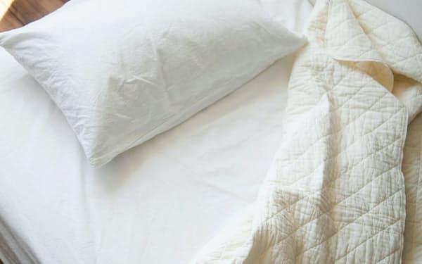 龍宮の「パシーマ キルトケット」は同じ素材の枕カバーやバスタオルなどもある