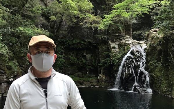 増田さんは滝巡りの魅力を発信する