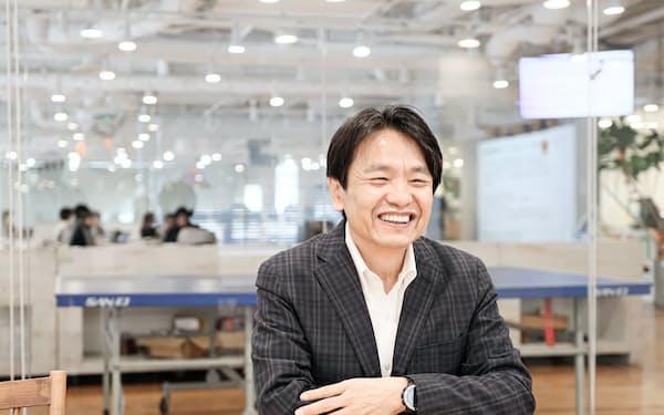 小村充広さんは銀行経営から異業種の会計ソフト会社フリーに転身した