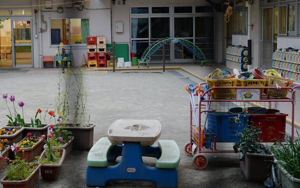 都内では6月末まで多くの家庭が登園自粛を求められた(4月、都内の保育園)