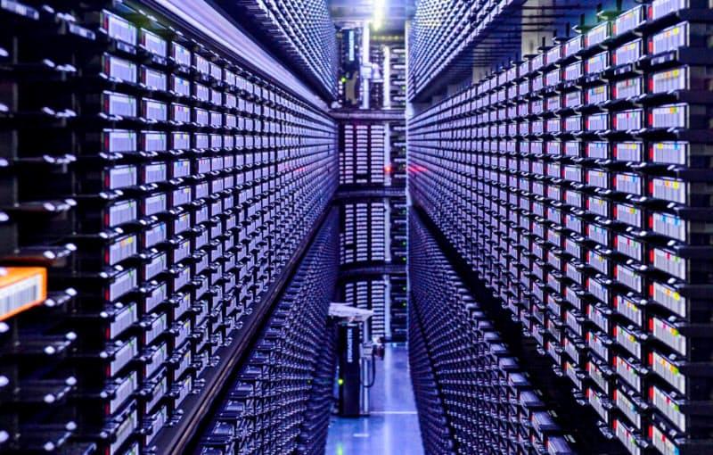(データの世紀)「眠る情報」コロナで棚卸し