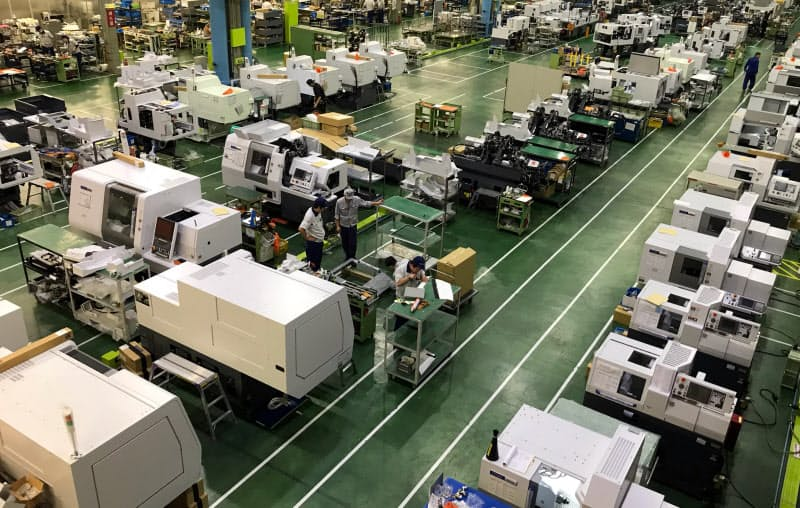 コロナ禍で工作機械の受注は大きく落ち込んでいる(国内メーカーの工場)