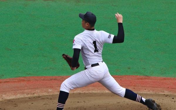 日大豊山高校のエースは初戦を1人で投げきった(7月、東京都大田区)