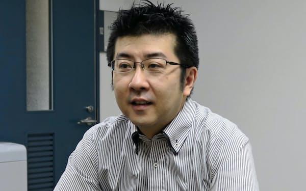 いしおか・まなぶ 1977年福島県生まれ。兵庫県出身。京都大大学院修了、京都大准教授。専門は教育の歴史社会学。著書に『「教育」としての職業指導の成立』。