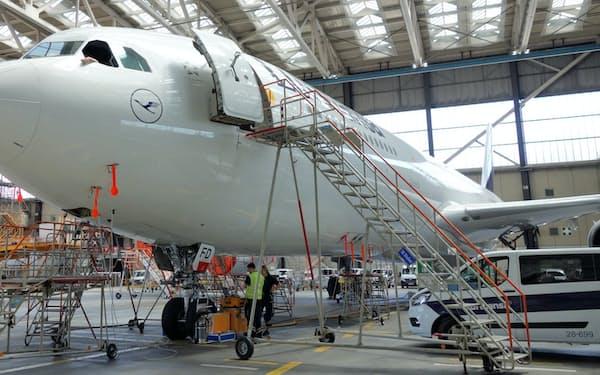 独ルフトハンザは政府の出資が決まった                                                     (7月、フランクフルト国際空港)