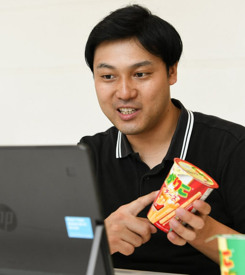 松井淳さんはチームメンバーと密にコミュニケーションを交わす