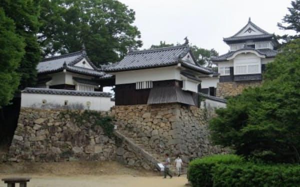 現存する国内の城のうち最も高い所にある
