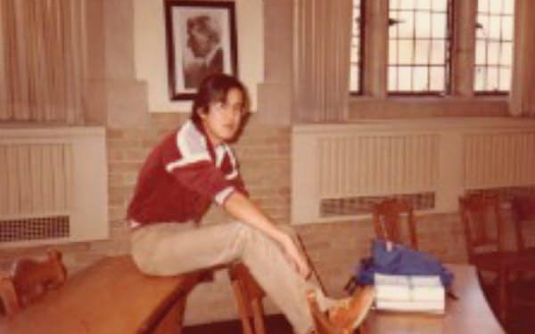 ミシガン大ロースクールでは銀行法を必死で学んだが、息抜きにゴルフも始めた。講義前の教室で