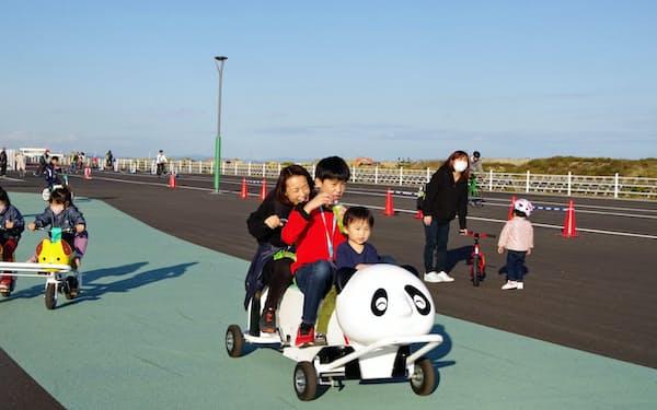「おもしろ自転車」は家族連れに人気