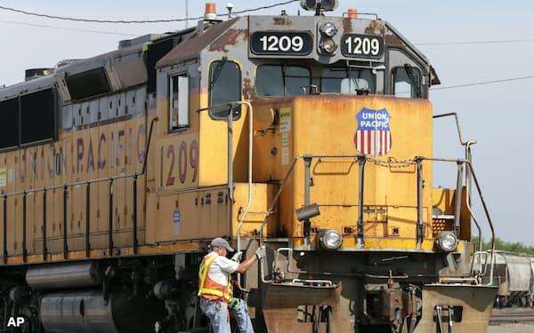 米鉄道大手ユニオン・パシフィックに、NPOなどが「セイ・オン・クライメット」受け入れを求める活動を始めた=AP