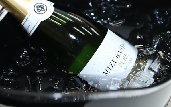 フランスの日本酒コンテストでスパークリング部門最高賞を得た「MIZUBASHO PURE」