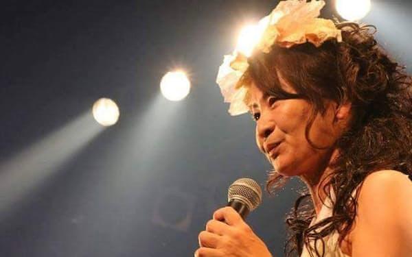 「還暦ライブ」が目標の和田敦子さんは「女一人で生きていくのは大変」と話す